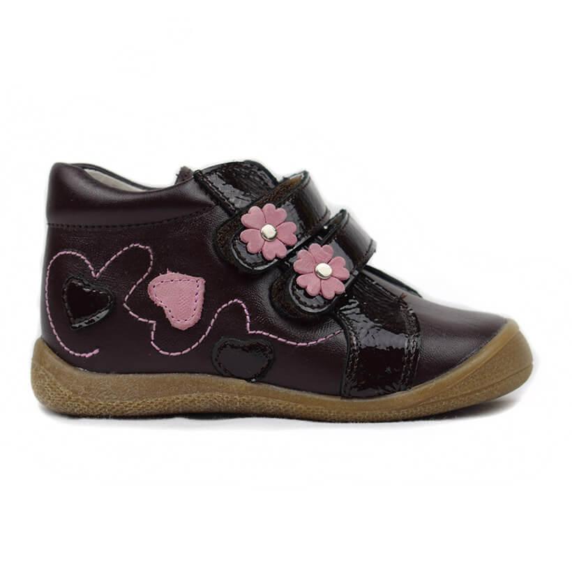 c25b9be3165 Bota chocolate flores Bambi. Zapatitos de bebé y niño fabricados en ...