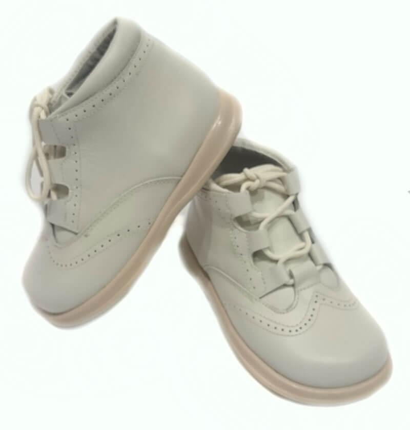c47b1f99e Zapato niño ingles tipo bota de color beig mod 9111 de bambi. Zapato ...