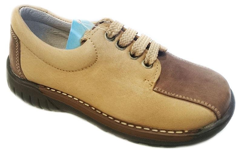 55bddf6fe79 Foto 1 de Zapatos niño de piel de color marron y con cordones de bambi, ...